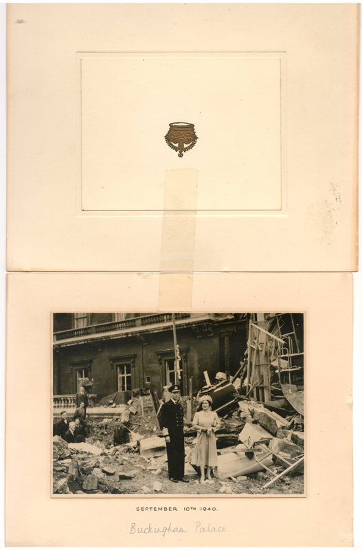 Photo Christmas card George VI & Queen Mum signed 1940 War Damage(d)