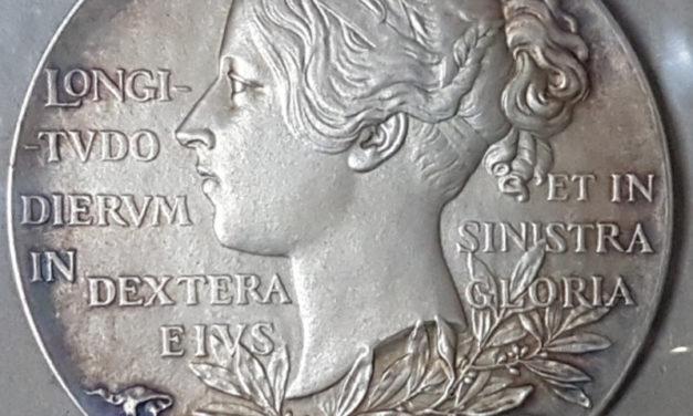 G.B. Unc 1897 cased 55mm Victoria Diamond Jubilee Silver Medallion