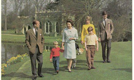 Queen Elizabeth II & Prince Philip Signed 1968 Christmas Card