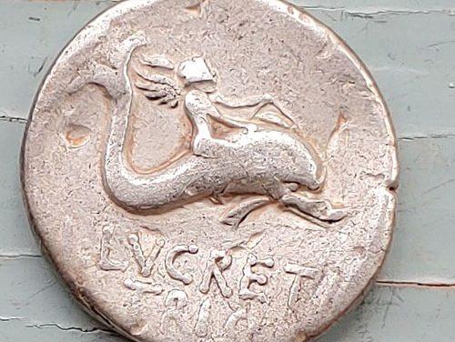 Roman Republic 76 BC Lucretia 4gm Silver Denarius