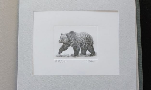 Canada Post #1694 Never Hinged artist-signed $8 Grizzly #1426/2500