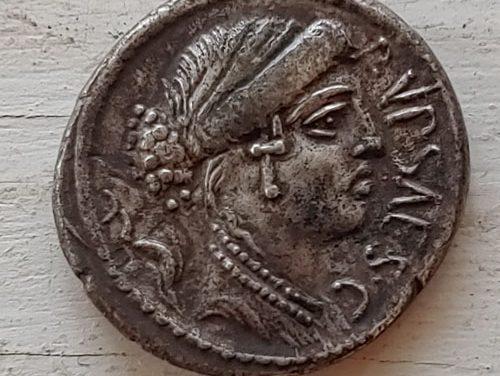 P. Plautius Hypsaeus 60 BC 3.58gm Roman Republic Silver Denarius