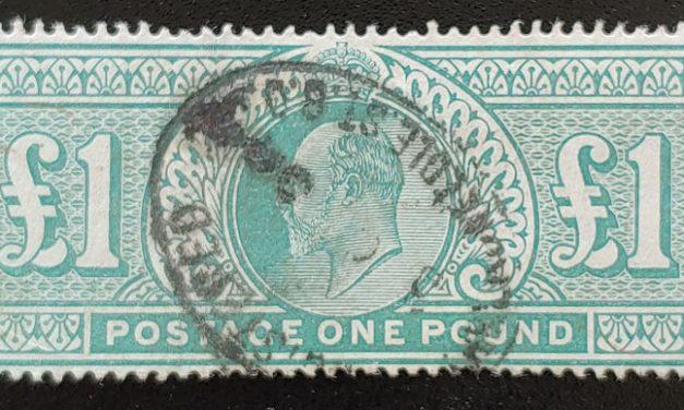 G.B. #142 F/VF Used 1902/11 Edward VII Pound, corner crease