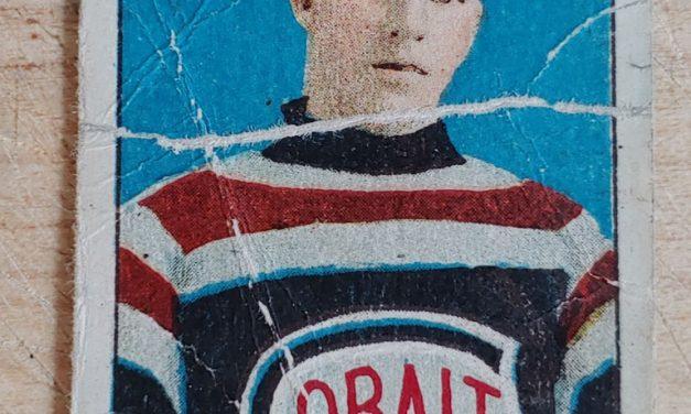 Harold McNamara 1910/11 C56 #32 Rookie Hockey Card, creases