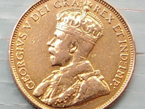 Canada F/VF 1912 Gold 5 Dollars, mount mark .2419oz AGW