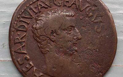 Tiberius 14-37 AD 11gm AE Dupondius