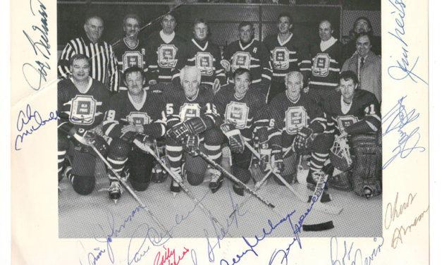 Lot 200 Old Pros signed B&W Hockey Photo incl Henderson, Richard, Shack